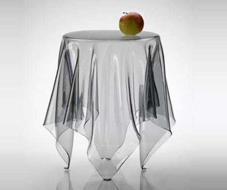 illusion-table